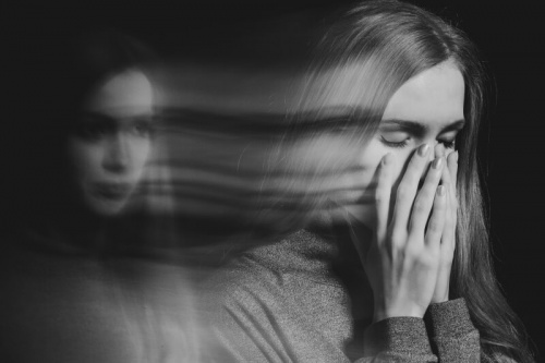 Бредовое расстройство: причины, симптомы и лечение в Израиле