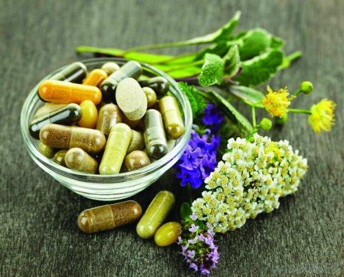 Особенности лечения депрессии: насколько эффективны натуральные фитопрепараты?