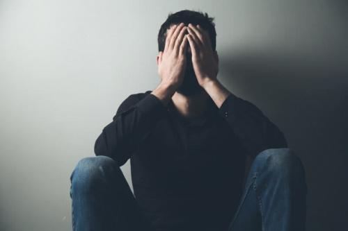 Связь гормонов с паническими атаками: мнения специалистов, особенности диагностики и лечения в Израиле