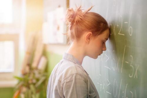 Подростковая паранойя: признаки, особенности и характерные симптомы расстройства